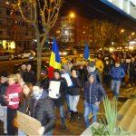 Protecţia Copilului Dâmboviţa, chestionată de minister cu privire la prezenţa copiilor la mitinguri