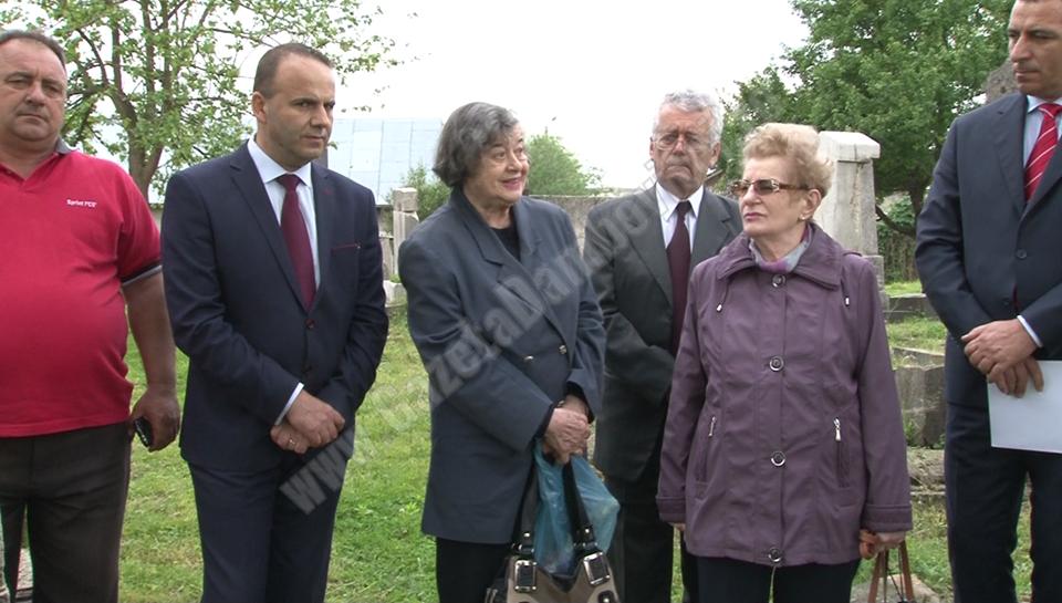 Ultimii 2 evrei din Târgoviște au participat la comemorarea eroului Herman Kornhauser, spânzurat de nemți pe Platoul Prefecturii