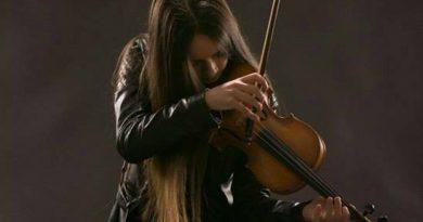 Târgoviște Underground: Ana-Maria şi pasiunea sa pentru vioară!
