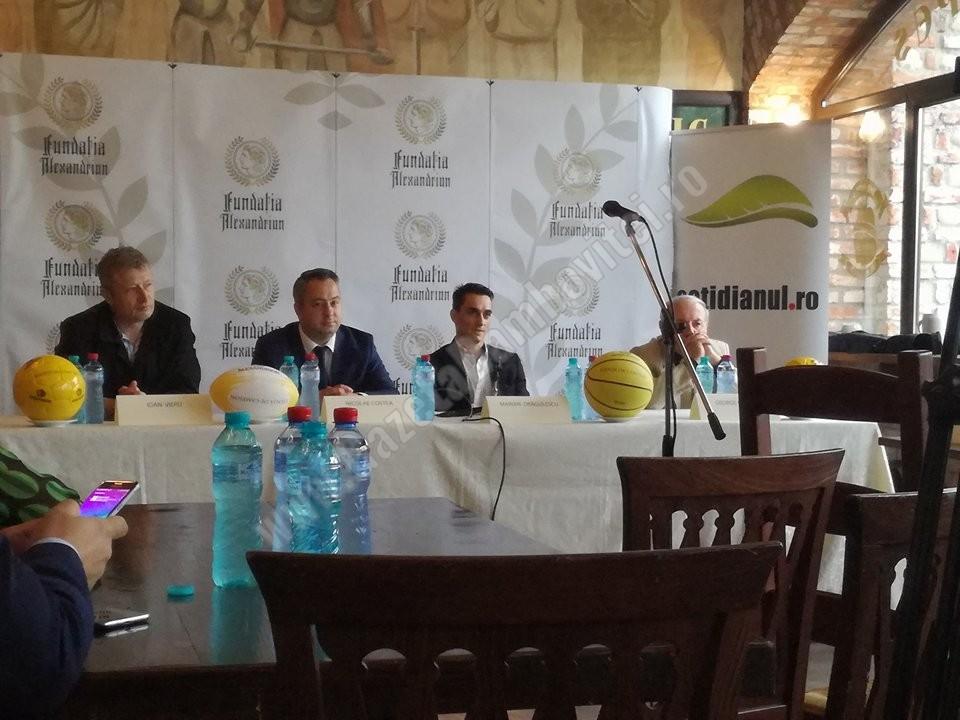 """Poezie și masă de mingi la Berăria """"Vlad Ţepeş"""" cu Cornel Nistorescu"""