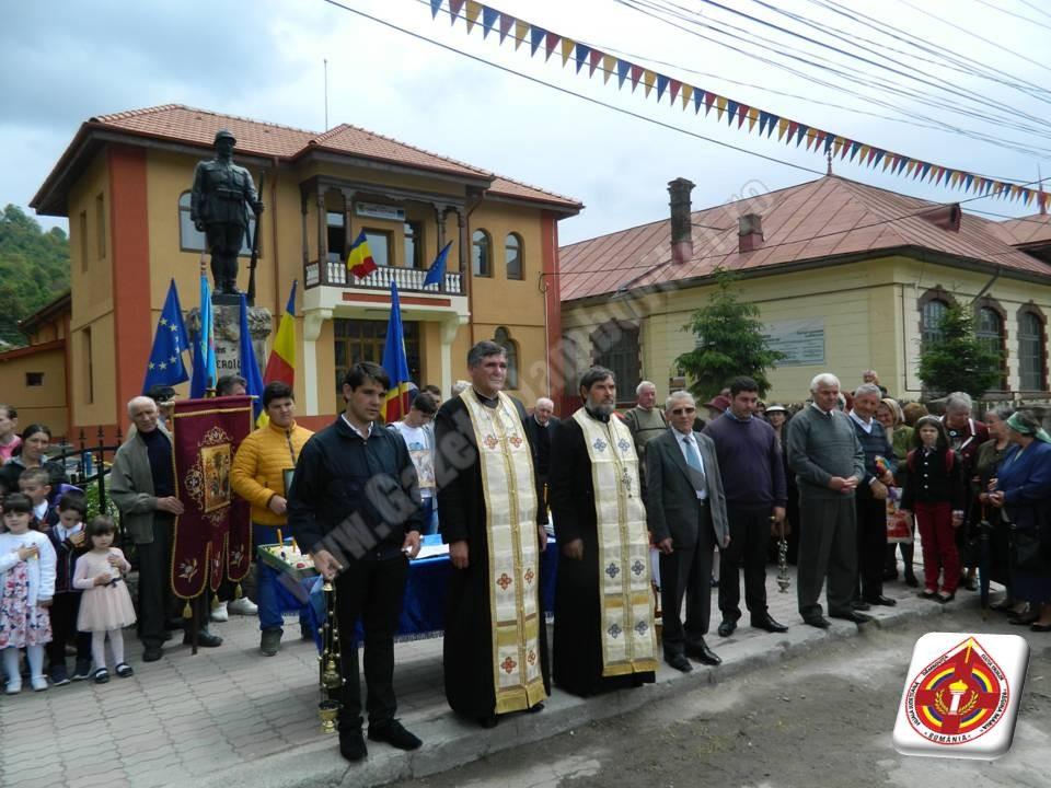 Comemorarea eroilor satului, la Pietroșița