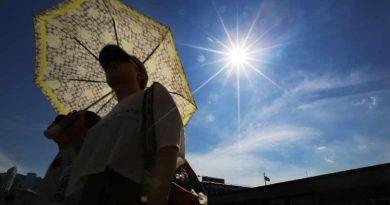 METEO: Weekend cu de toate: caniculă, disconfort termic, local averse și descărcări electrice