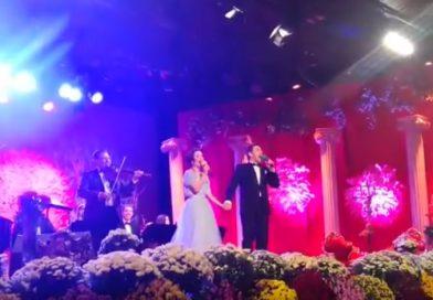 """16 interpreți își dispută trofeul ediției jubiliare a Festivalului Național""""Crizantema de Aur"""""""
