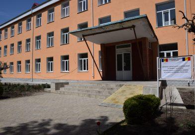 Moldovenii de la Ialoveni au finalizat obiectivele finanțate de CJD: o grădiniță nouă și reabilitarea unui liceu