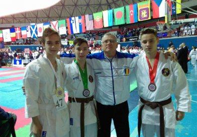 Rezultate bune pentru Sportivii karateka de la Club Alex – Palatul Copiilor Târgoviște, la ,,Campionatul Mondial karate UWK
