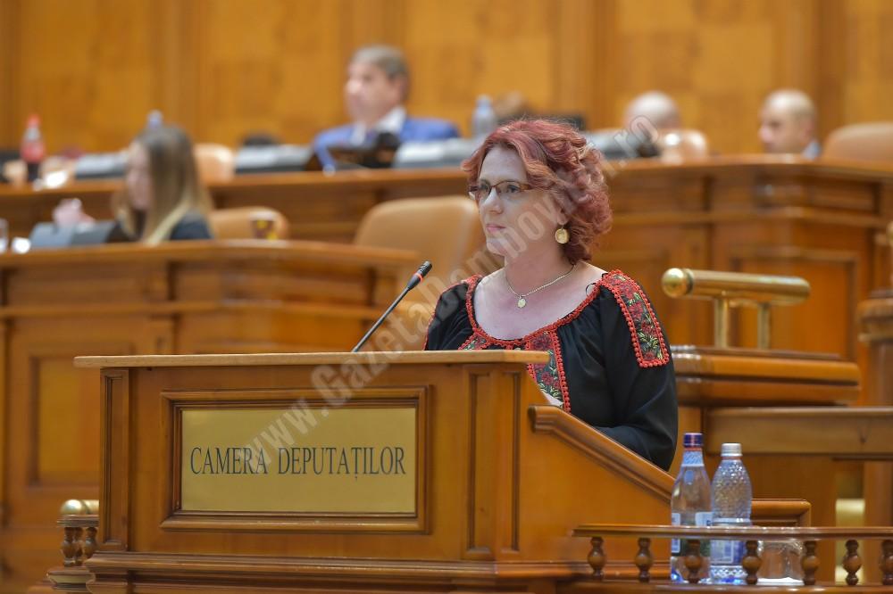 """Claudia Gilia: """"Legea pensiilor a fost votată în parlament. Pensiile vor crește"""""""