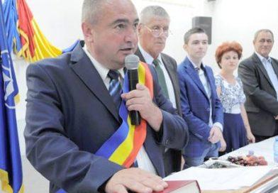"""Gabriel Sandu Dănuț """"Gambă"""" lasă primăria pentru deputație"""