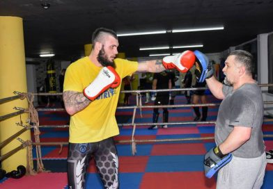 Antrenat de Doroftei, găeșteanul Cristian Ristea are șansa să devină campion mondial în ringul profesionist, pe reguli K-1