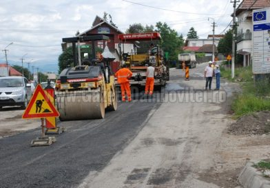 Circulație pe un sens pe DJ 710 Pucioasa – Bezdead, din cauza unor alunecări de teren