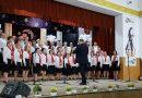 GĂEȘTI: Flori, momente muzicale și dans, pe scena Casei de Cultură, de ziua doamnelor
