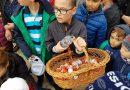 PUCIOASA: Iepurașul a lăsat 1000 de ouă de ciocolată în Parcul Orașului – GALERIE FOTO