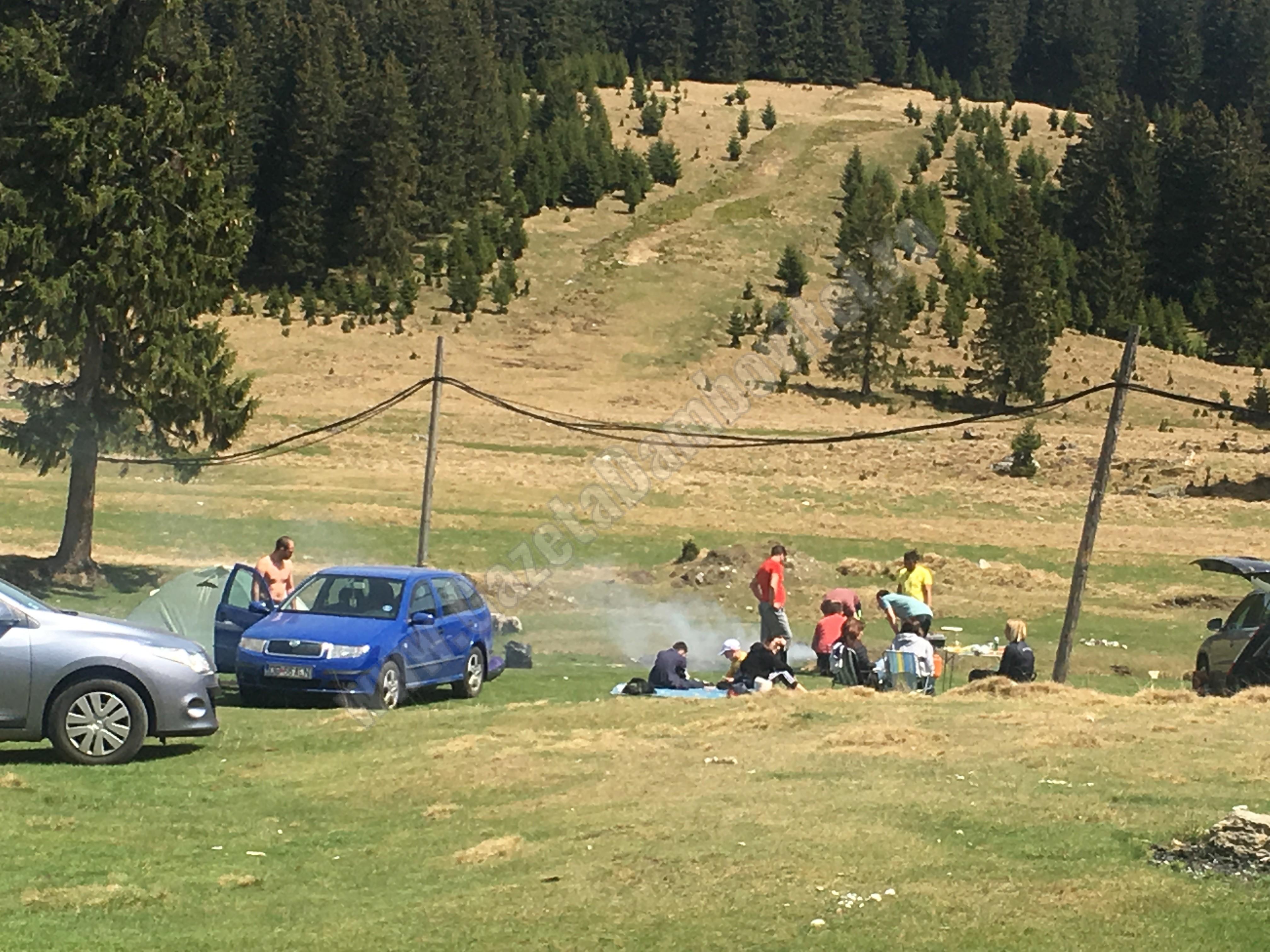 DÂMBOVIȚA: Se interzice camparea la întâmplare în zona montană