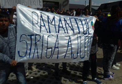 Nou protest la Potlogi! Oamenii au plecat în marş către primărie pentru a cere închiderea balastierelor