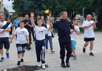 Momente emoționante la Târgoviște! Sportivii cu dizabilități au adus Flacăra Speranței (VIDEO)