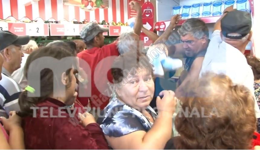 DÂMBOVIȚA: Bătaie pe zahăr la inaugurarea unui supermarket!