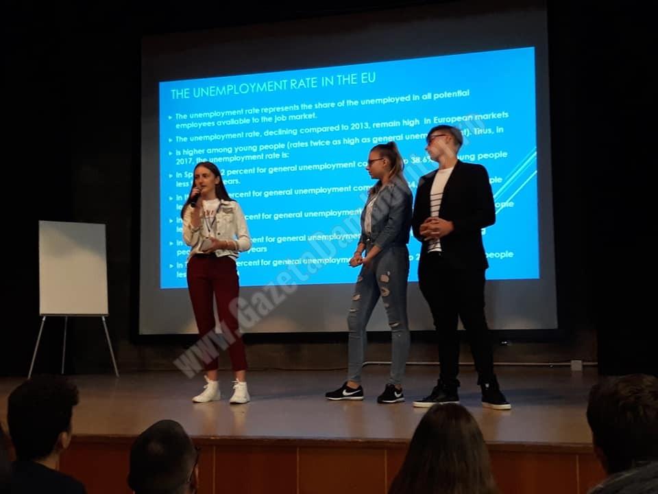 """Elevi ai Colegiului Economic """"Ion Ghica"""" – Târgoviște, la Colegiul Asunción Cuestablanca – Spania"""