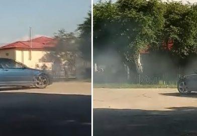Un tânăr din Mătăsaru riscă închisoarea pentru o serie de drifturi pe străzile comunei  – VIDEO