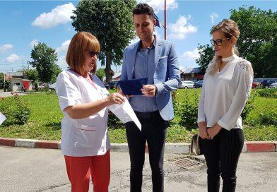 O familie de tineri filantropi găeşteni a donat spitalului din oraş aparatură unică în judeţ