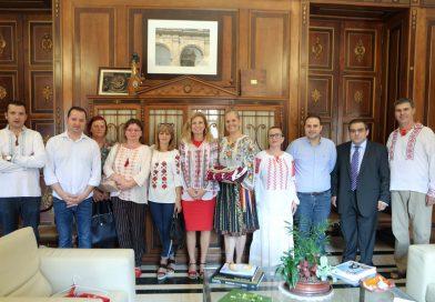 Primărița din Castellon a sărbătorit Ziua Iei! În Castellon trăiește o numeroasă comunitate de români, majoritatea dâmbovițeni