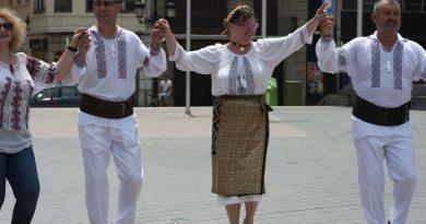 GALERIE FOTO: Românii din Castelon nu au uitat tradițiile de acasă! Sânzienele, celebrate în orașul spaniol