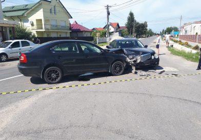 Trafic îngreunat pe DJ 711, la Comișani, în urma unui accident rutier