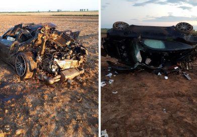 Un tânăr a murit după ce s-a răsturnat cu Porsche-ul. Două sacoșe cu bani au fost găsite în mașină