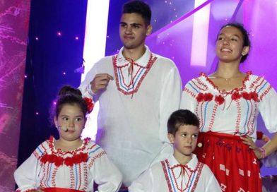 """Micuța  Antonia Popescu, premiul la """"Mamaia Copiilor"""" împreună cu grupul BIMBAM"""
