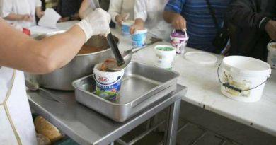 Târgovişte: Copiii şi bătrânii, principalii beneficiari ai Cantinei de Ajutor Social
