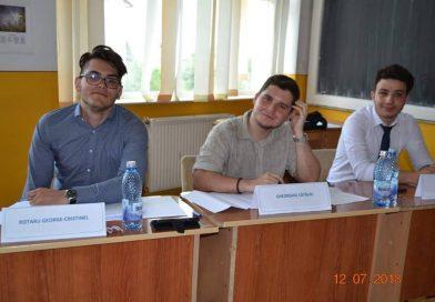 Trei elevi de la Ienăchiță sunt printre cei mai buni debateri din țară! Au urcat pe podiumul Olimpiadei naționale