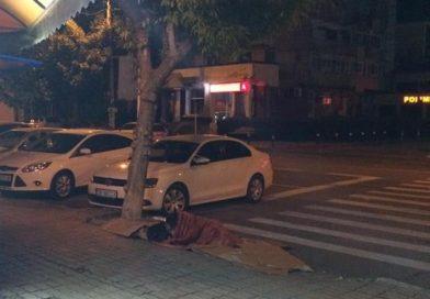 TÂRGOVIȘTE: Oamenii străzii preferă cerul liber! Azilul de noapte funcționează la jumătate din capacitate