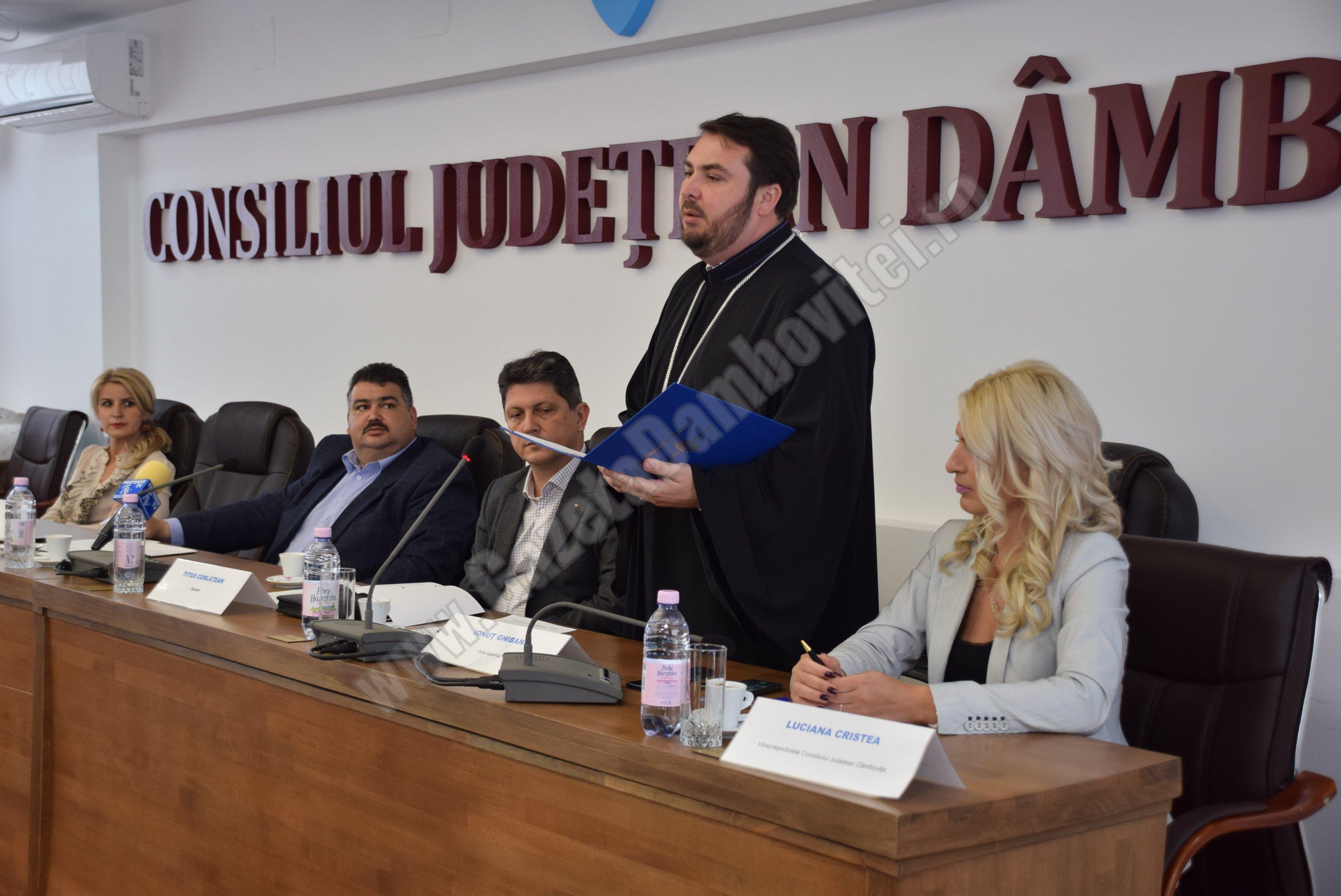 """DÂMBOVIȚA: CJD a modificat """"pe șest"""" o hotărâre care vizează Arhiepiscopia Târgoviște! Au fost tăiate fonduri"""
