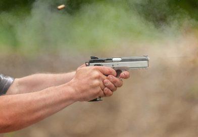 TÂRGOVIȘTE: Focuri de armă pentru prinderea unui tânăr! De ce fugea de polițiști
