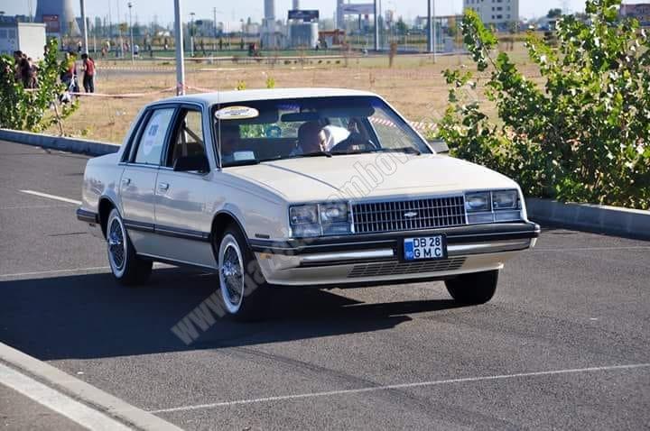 Sâmbătă, paradă a mașinilor de epocă pe străzile Târgoviștei. Vezi traseul