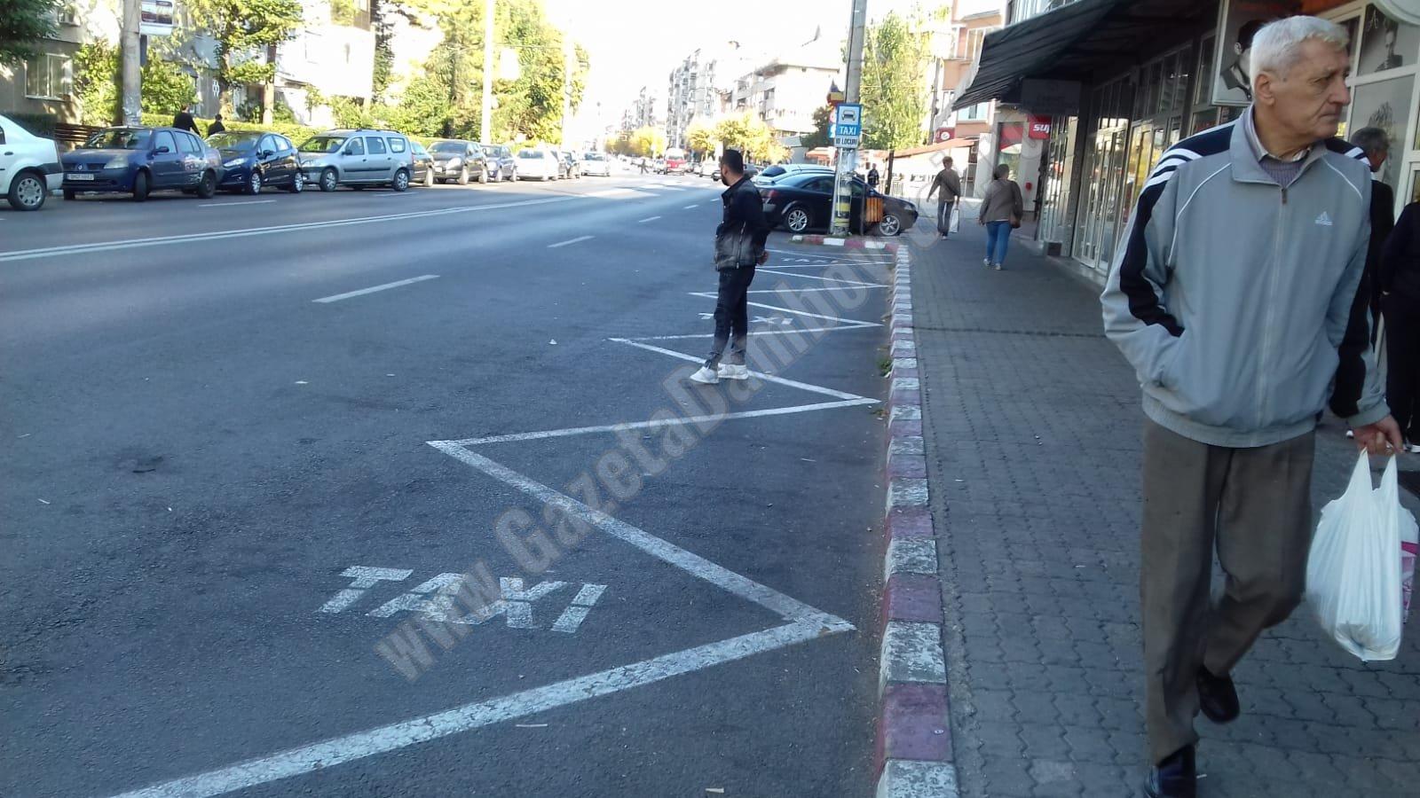 Târgoviştenii nevoiţi să suporte mofturile taximetriştilor! Distanţele scurte nu mai sunt pe placul acestora