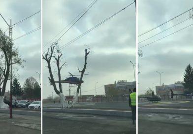 """Reprezentanții grupuluiArcelik au """"descins"""" la Găești și Ulmi, cu elicopterele! Nici o oficialitate nu a fost invitată"""