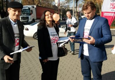 """""""Oameni noi în politică"""", acțiune de strângere de semnături, la Găești"""