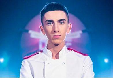 """Voineșteanul Valentin Dumitrescu, cel mai tânăr concurent ales, vreodată, în echipele """"Chefi la cuțite"""""""