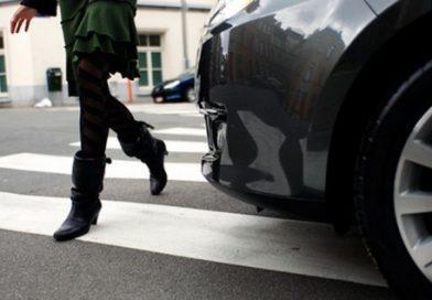 TÂRGOVIȘTE: Femeie lovită de un autoturism, pe trecerea de pietoni