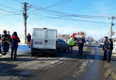 DJ 711 – Șoferiță rănită, după ce nu ar fi acordat prioritate
