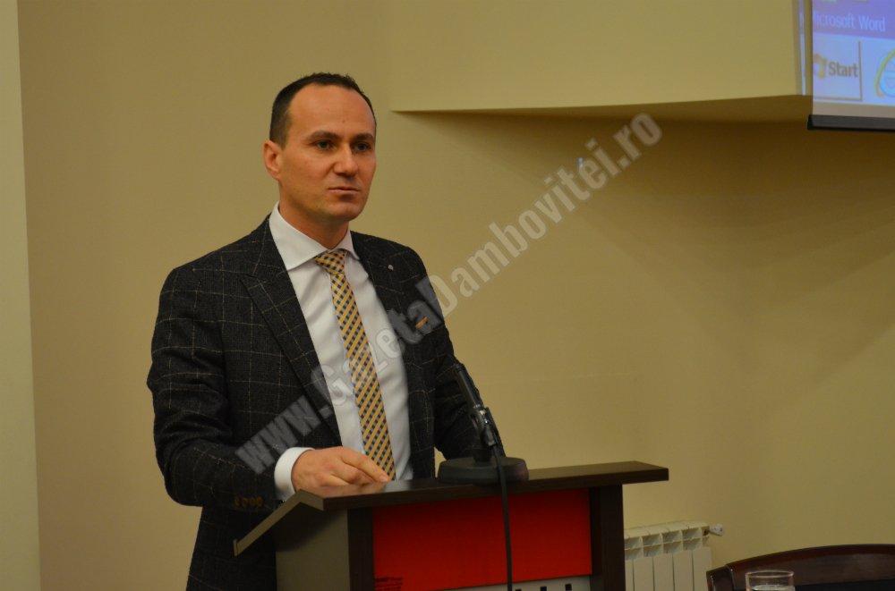 Liberalii târgovișteni acuză Primăria municipiului că îi jignește și amenință