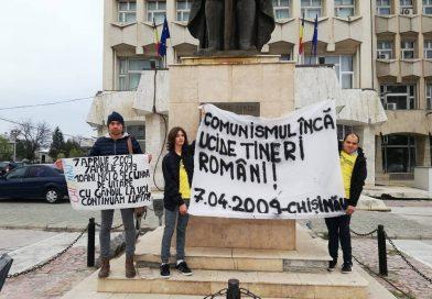 TÂRGOVIȘTE: Membrii ai mișcării unioniste au amintit de manifestările din 7 aprilie 2009, de la Chișinău