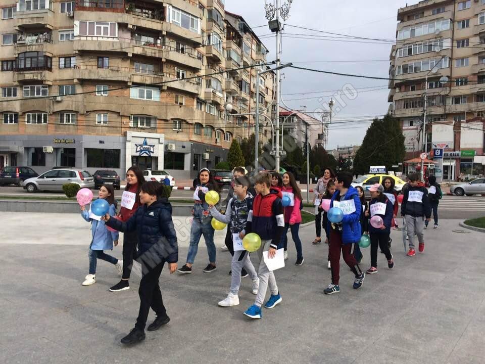 """Marș împotriva violenței și bullying-ului al copiilor de la Școala """"Prof. Paul Bănică"""""""