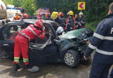 DN 72 – 3 victime în urma unui accident. Traficul este blocat