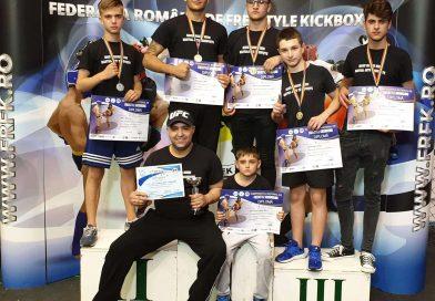 Trei medalii de aur pentru sportivii familiei Marin la Campionatul de Freestyle Kickboxing