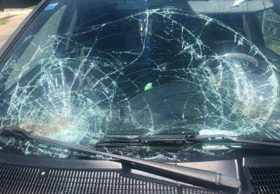 Un șofer care a adormit la volan a lovit doi pietoni