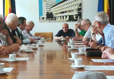 Comitetul Consultativ de Dialog Civic şi Consiliului Judeţean al Persoanelor Vârstnice, în şedinţă comună la Prefectură