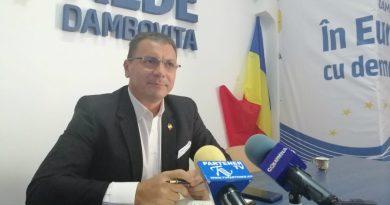 """ALDE Dâmbovița către guvernanți: """"Faceți un cadou copiilor: măriți alocațiile!"""""""