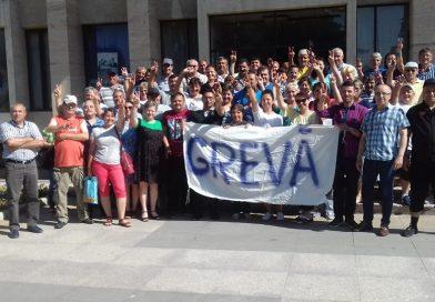 Electroaparataj Târgovişte – Salariaţii au semnat pentru încă două săptămâni de grevă generală