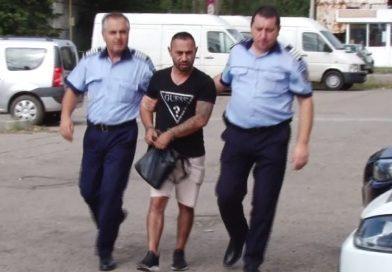 Bănuit de mai multe infracțiuni. Un bărbat din Târgoviște a fost arestat astăzi