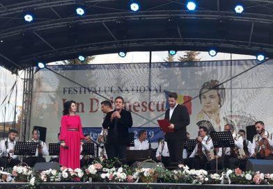 """O nouă ediție a Festivalului Concurs Național """"Ion Dolănescu"""" a debutat vineri la Târgoviște"""